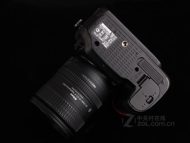 尼康 D7100黑色 底部图