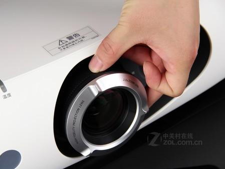 高清投影机 松下PT-FRZ370C售价78000元