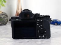轻巧微单推荐 索尼A7RM2相机报13999元