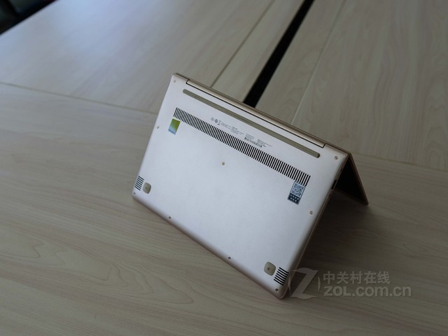 时尚 联想IdeaPad 700S-13 售价4949元
