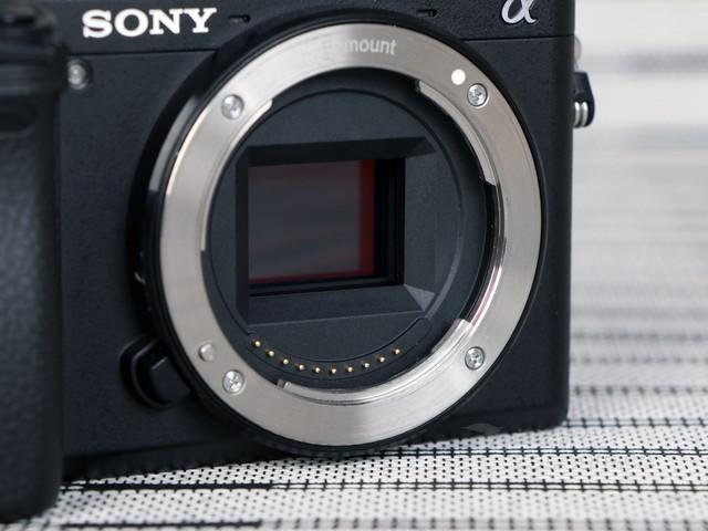4D对焦系统 索尼A6300(单机) 报价5888元