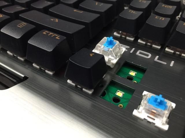 磁动力CK500可拔插轴机械键盘南宁报价299元