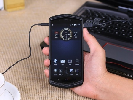 硬件级防护安全 8848钛金手机m3促销中图片