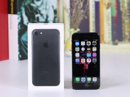 苹果iphone 7系列的正面与iphone