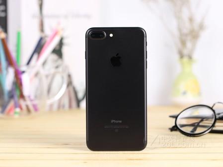 苹果iphone 7 plus(全网通)采用了全新天线设计样式,并且取消了苹果
