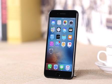 四核系统流畅 苹果iPhone 7 P售5288元
