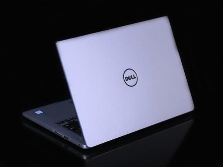 其它特点 双风扇 三热管散热 包装清单 笔记本主机 x1 电源适配器 x1