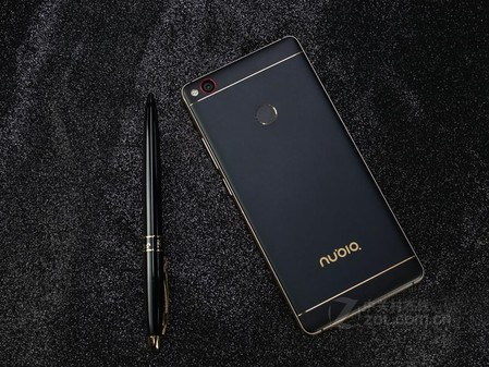 无边框黑金传奇 nubia z11预售3199元