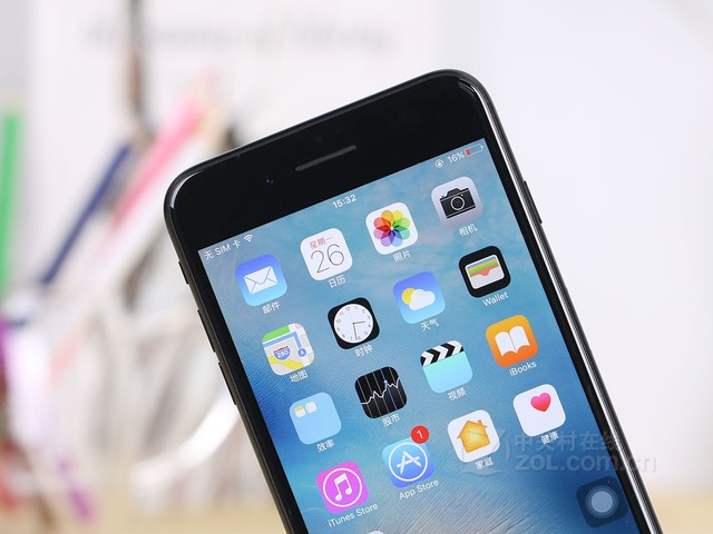 苹果 iphone 7 plus采用了全新天线设计样式,并且取消了苹果iphon