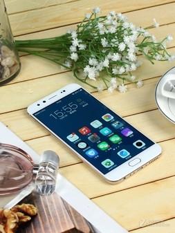 3前置1600万 vivo X9手机特价2699 元