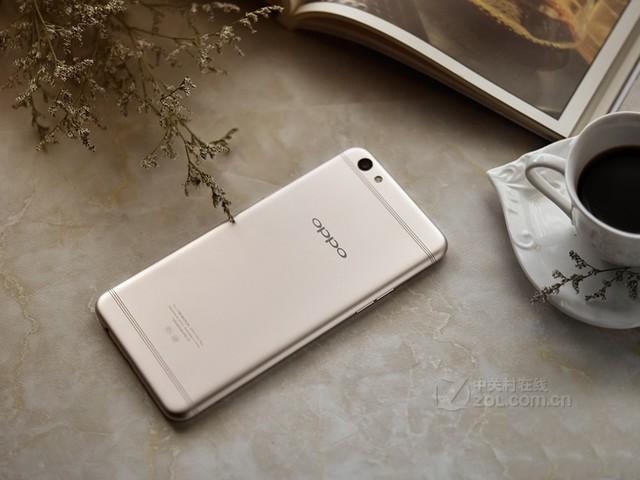 78mm超窄边框,让手机拥有更大屏幕的同时保证舒适握持感;oppo自主研发