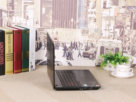 华硕 ZX53VD 开启疾速动力 售价6699元