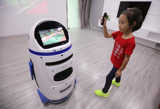 娱乐教育之选 小胖机器人郑州现货
