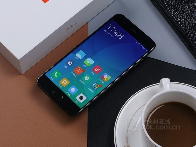 双摄手机 小米6(全网通)售价2980元