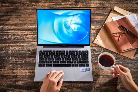 华为MateBook14笔记本 银色长沙仅6100元