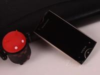 3.3英寸智能音乐手机 索爱ST18i售320元