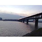 标题:一桥飞架南北,天堑!<br/> 型号:诺基亚6220C<br/>作者:cnbeta