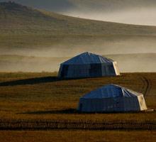 远处的蒙古包