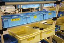 分类存储的打印机零部件