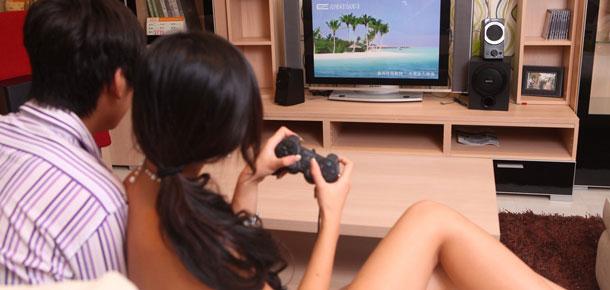 吃喝玩乐的假期 美女与索尼音箱的一天