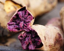路边小贩卖的烤紫薯