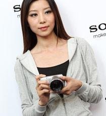 模特展示索尼NEX-C3