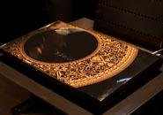 华硕N系列特别版青花瓷和钢琴键元素