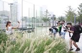蜂鸟网友与职业模特互相配合完成脚本拍摄