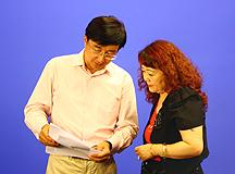 IDC万宁与CBSi(中国)媒体总编刘克丽交谈