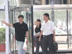 王新福抵达ZOL大楼