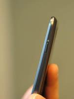 三星Galaxy Nexus侧身图