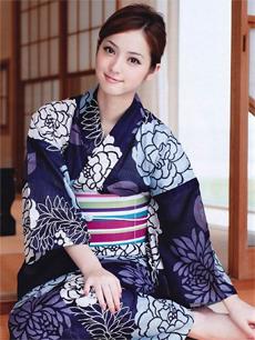 日本人气女优 佐佐木希代言3DS游戏