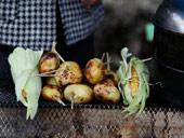 红石滩烤土豆