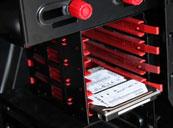四组SSD硬盘位