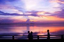 蜂友倩闻 马来西亚边境的夕阳