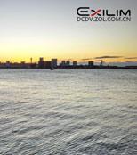 日出前的海港
