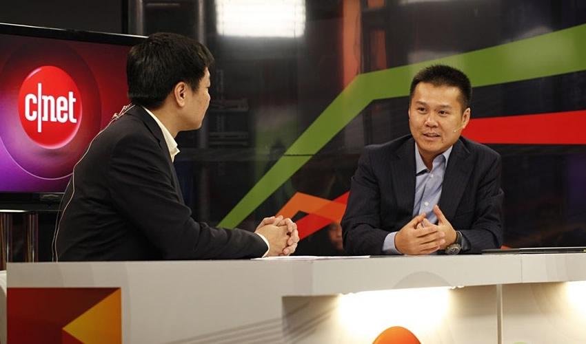 200平专业直播间对话中国领袖 联想陈旭东现场展示YOGA