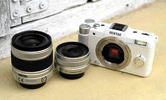 宾得Q与01 8.5mm定焦大光圈镜头、02 5-15mm变焦镜头