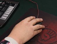 血手幽灵游戏鼠标握持展示