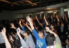 学生朋友们踊跃参加