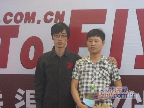 田军玮先生与大奖商家代表合影