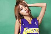 美女也为篮球狂