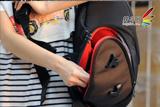 防水面料坚固耐用 小野人斜肩摄影包评测