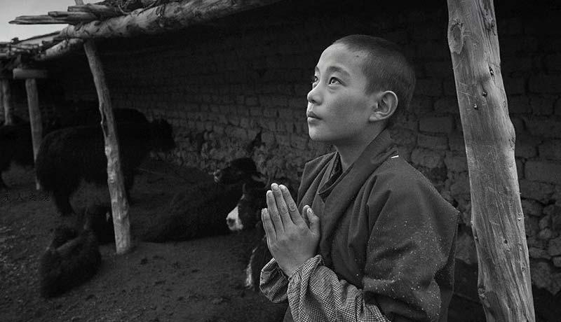 拉藏快跑 藏族患病女孩生活纪实