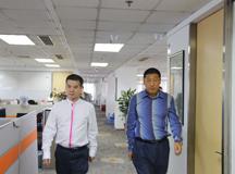 曾国章先生与刘小东先生参观ZOL