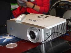 3D 1080p投影Acer H9500BD