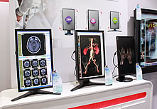 优派临床复诊显示器展示