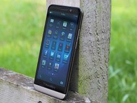 5寸大屏手机 黑莓Z30现货清仓价500元