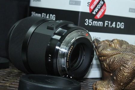 0对焦快速宁静 非凡卓越 适马35F1.4A镜头