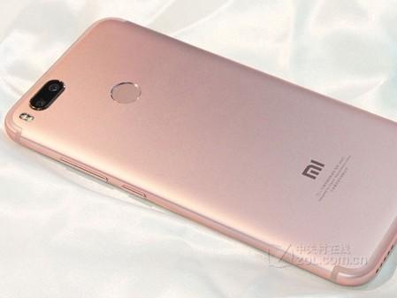 时尚超值双摄手机 小米5X深圳现货仅1480元